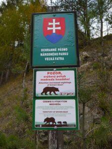 Un pays qui protège de façons remarquable son patrimoine naturel, des territoires dans lesquels on trouve la plus grande concentration d'ours brun d'Europe....et un chemin de compostelle méconnu.
