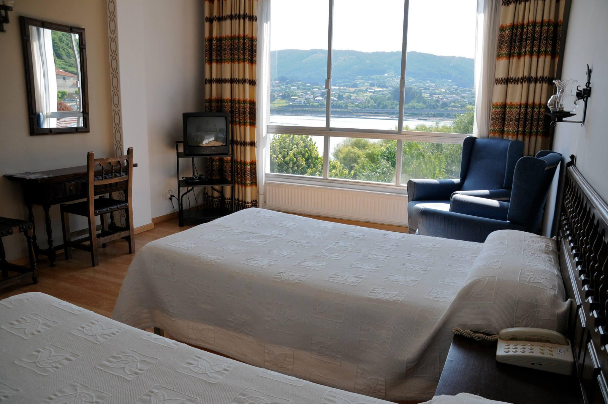 Chambre tout confort avec vue sur le Rio Eume à Pontedeume